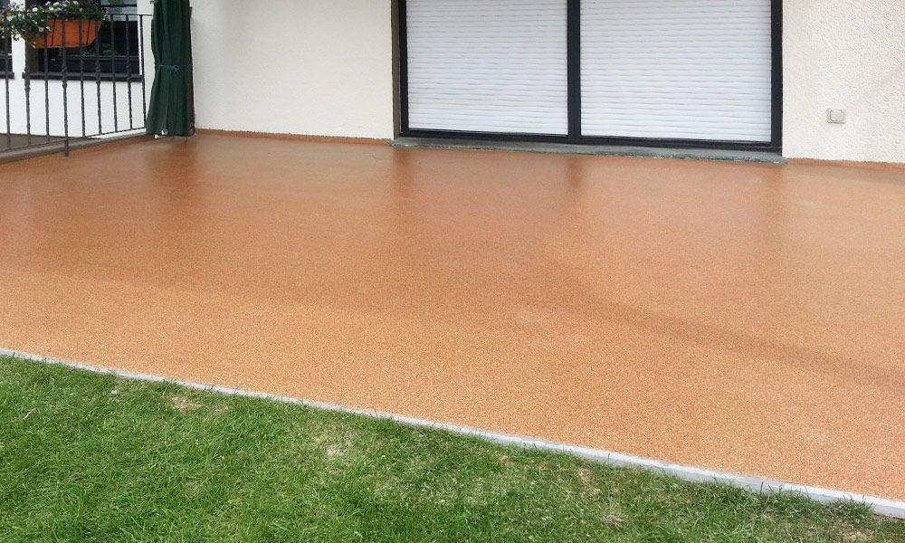 Terrasse mit neuer Bodenbeschichtung